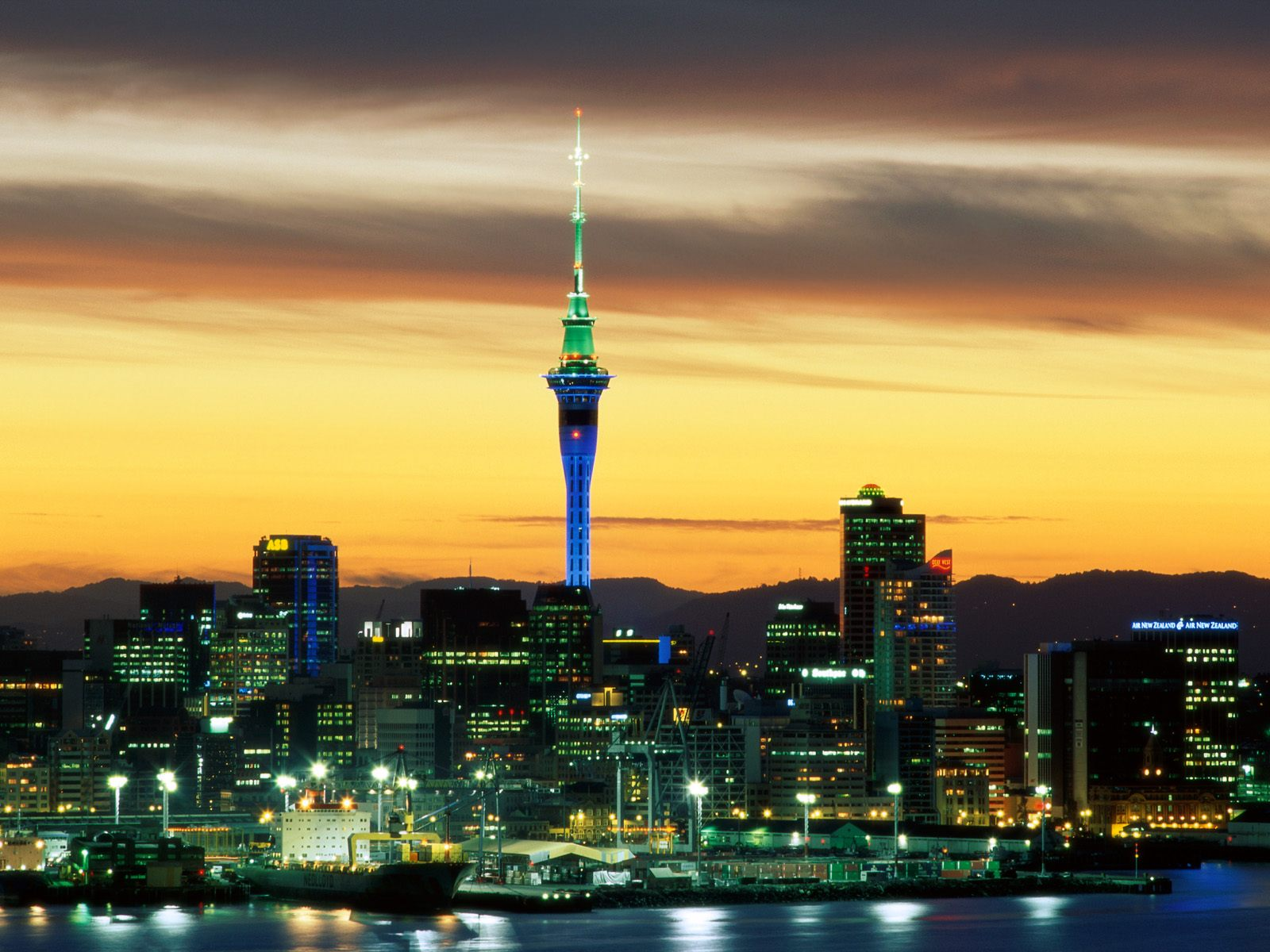 Auckland Holiday Guide