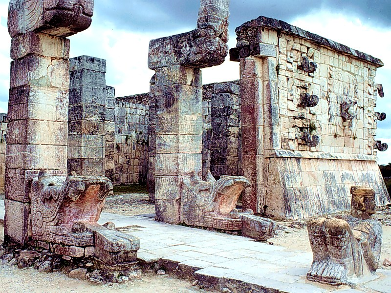 Mayan_Warrior's_Temple_Yucatan_Peninsula_800x600.jpg