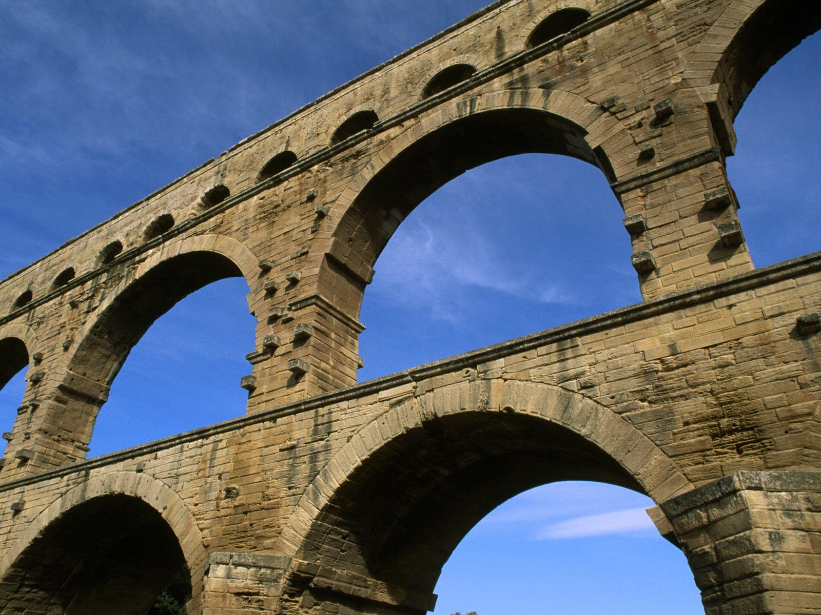 Roman Aqueduct Nimes France 1600x1200 1600 x 1200 PictureRoman Aqueduct