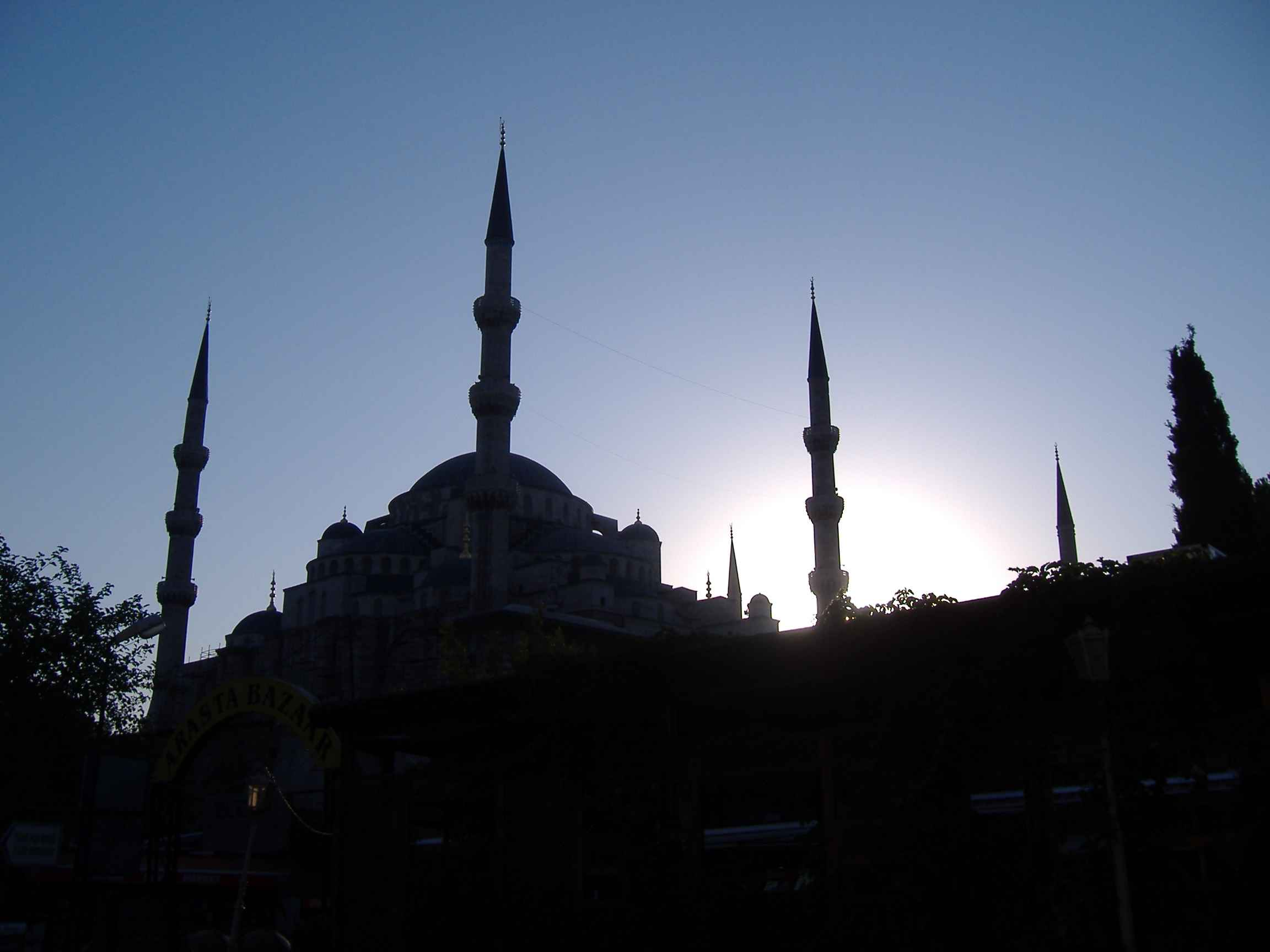 An August evening at Sultanahmet's blue mosque