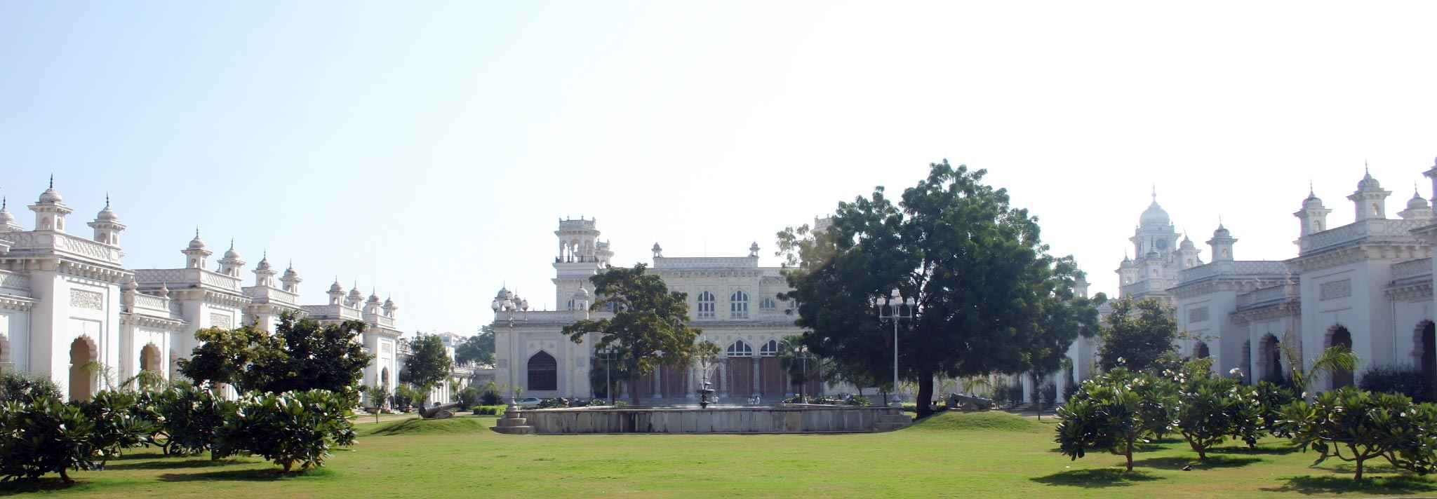 Chow Mohalla Palace Entrance panaroma view