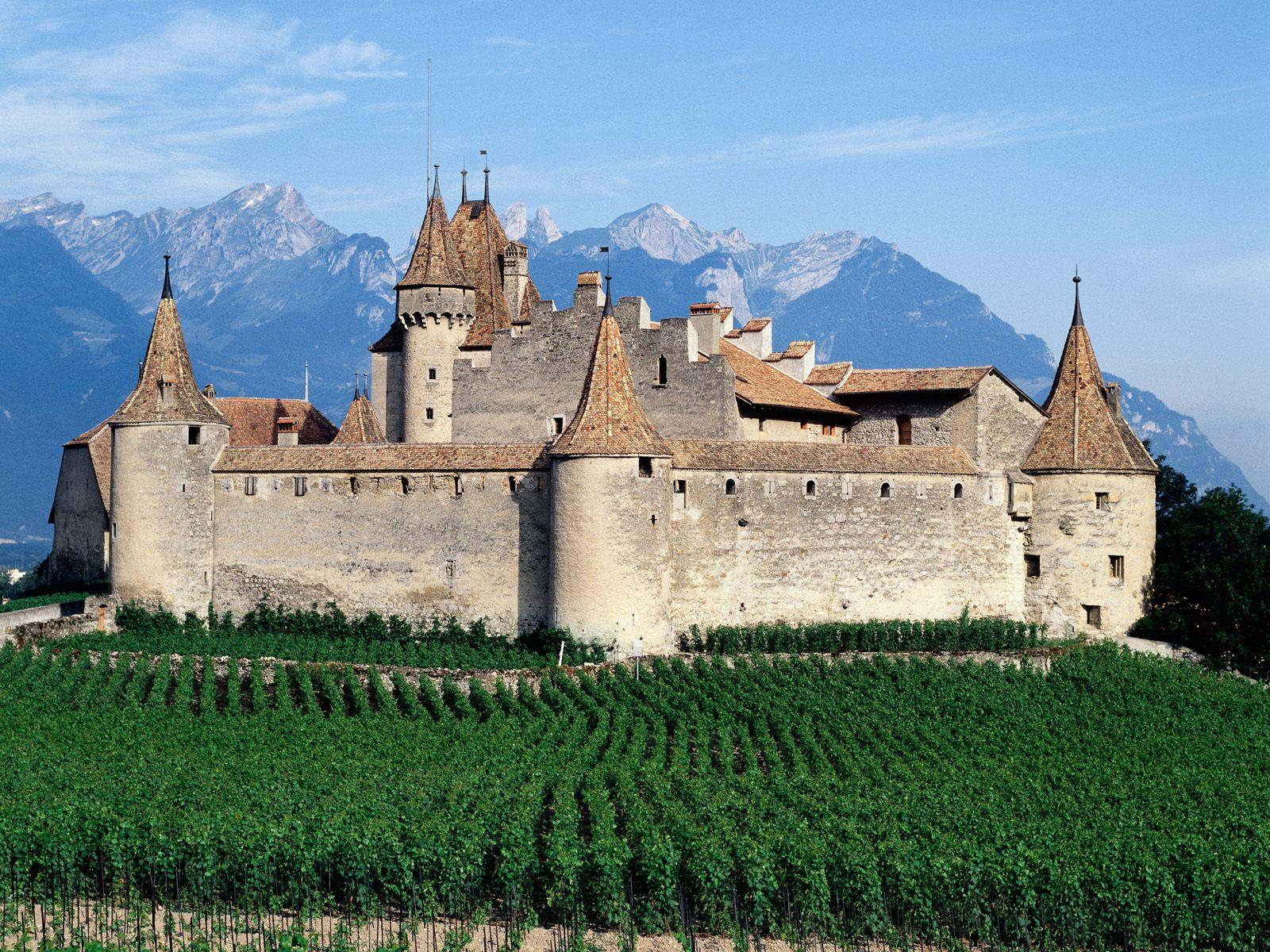 D'aigle_Castle_Switzerland.jpg