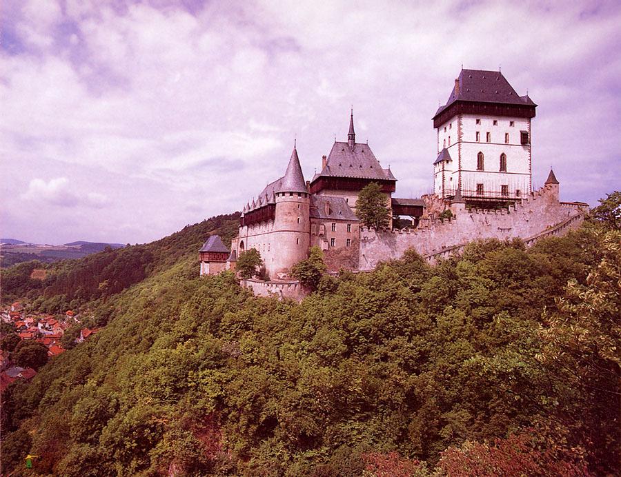 Karlstein Castle Czech Republic 1 900 x 692 Picture