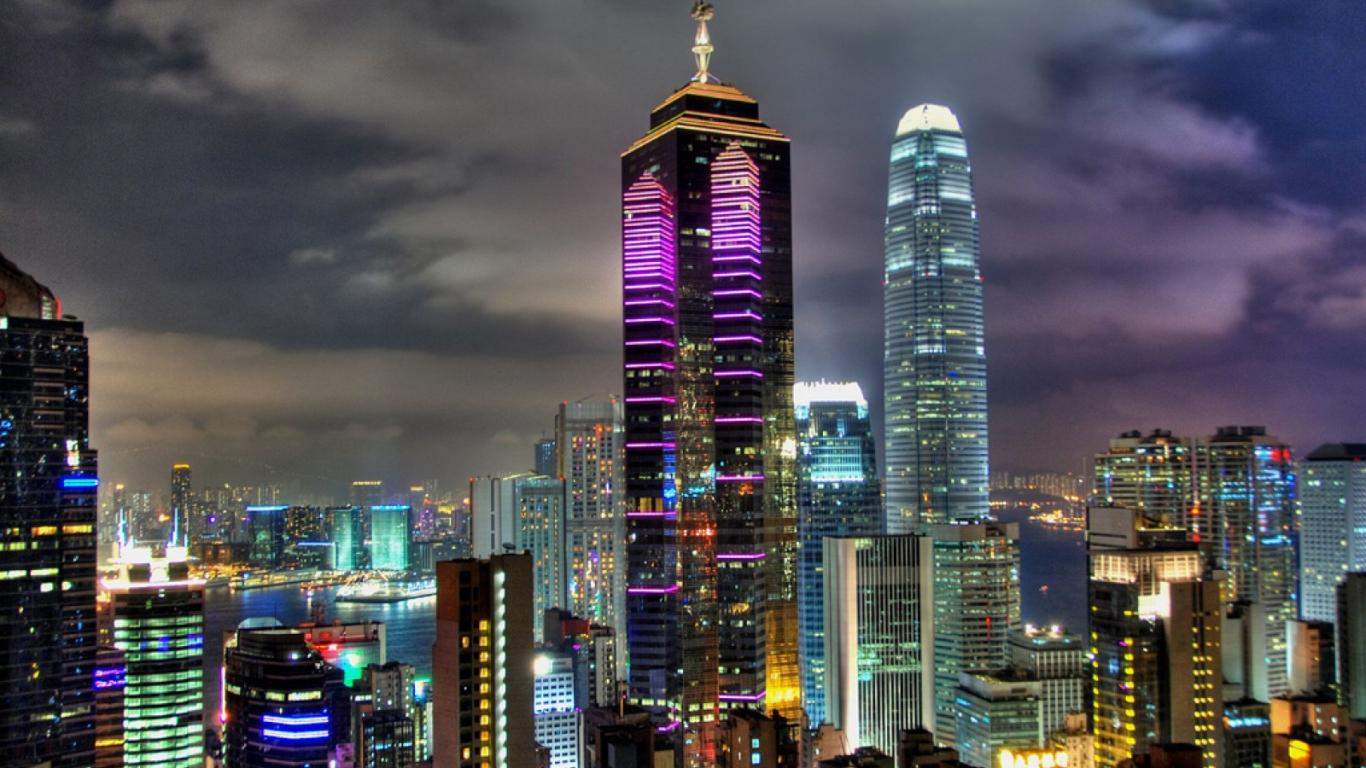 hong-kong night 1366 x 768