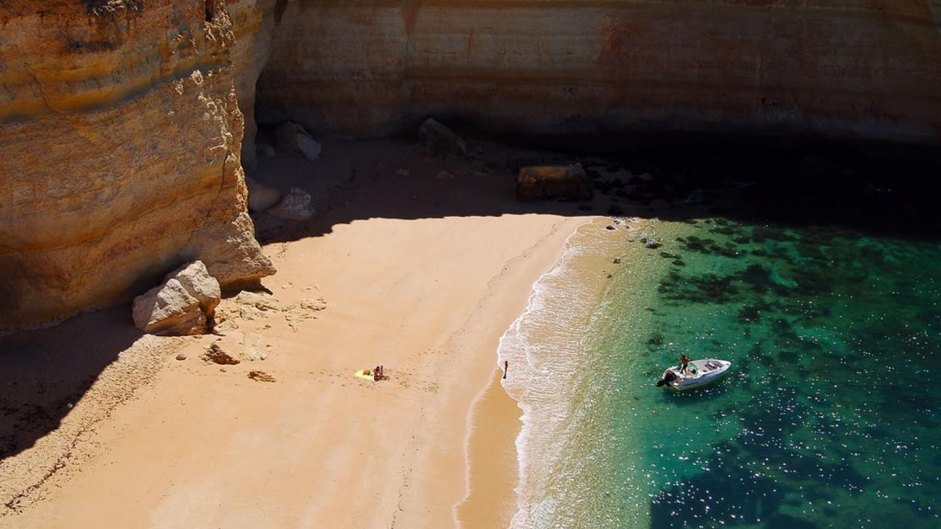 Algarve Camilo Beach 1366 x 768