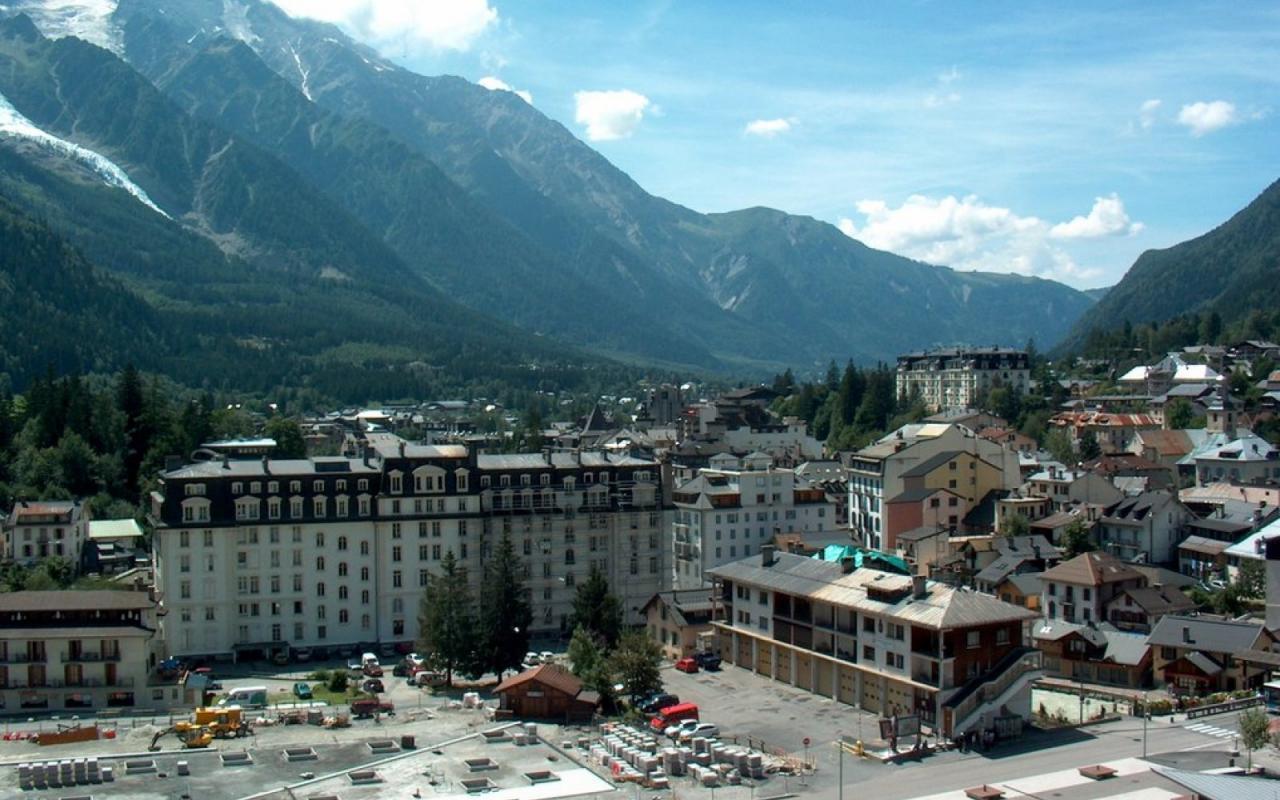 Chamonix hotels 1280 x 800 picture chamonix hotels 1280 x for Hotels chamonix