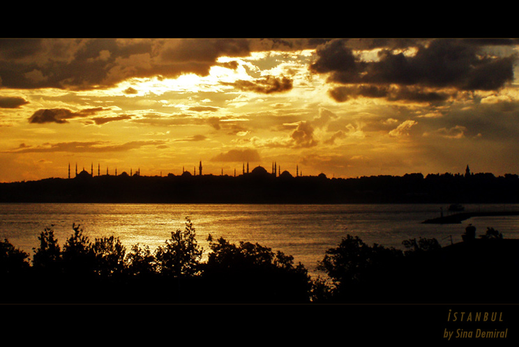 Istanbul Silhouette by sinademiral